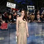 Fotó: Kristen Stewart áttetsző szuperhősjelmezben az Alkonyat premierjén