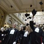 Több mint tízezren bukhatják a diplomát