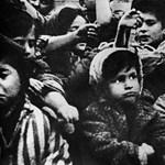 A koncentrációs táborok egyenruháira hasonlító ruhát dobott piacra egy divatház