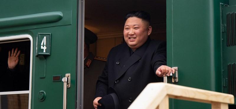 Észak-Korea megint kilőtt két rakétát Japán felé