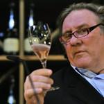 Gérard Depardieu nem bírja a zord orosz telet? Inkább algériai szőlősgazdának áll