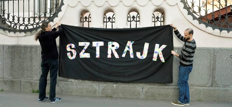 Jogszerű-e a sztrájk: egymásnak esett a két legnagyobb pedagógus-szakszervezet