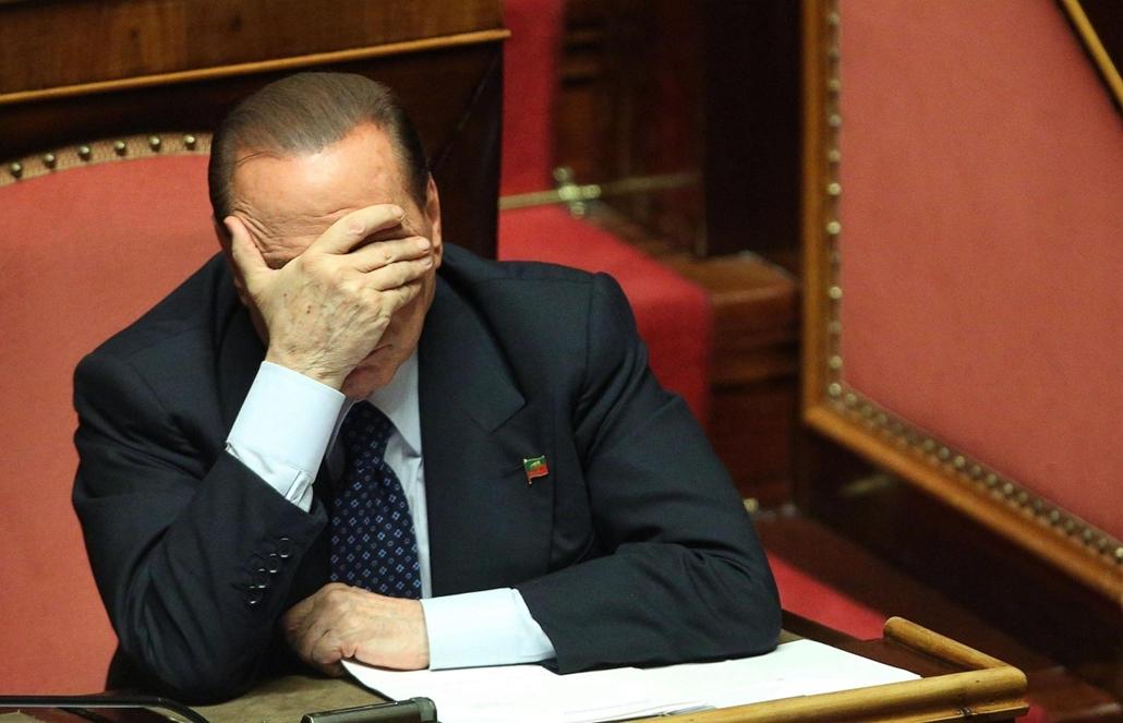 hét képei- Berlsuconi, kormányválság, Olaszország