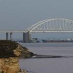 Az orosz fél szerint az ukrán hadihajók provokálták őket