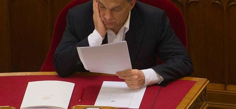 Origo: két törvényt vonatna vissza Orbánnal Barroso