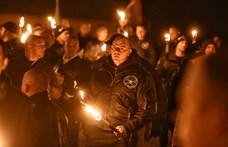 Száz roma és rohamrendőrök várták a szélsőjobboldali tüntetőket Sályon