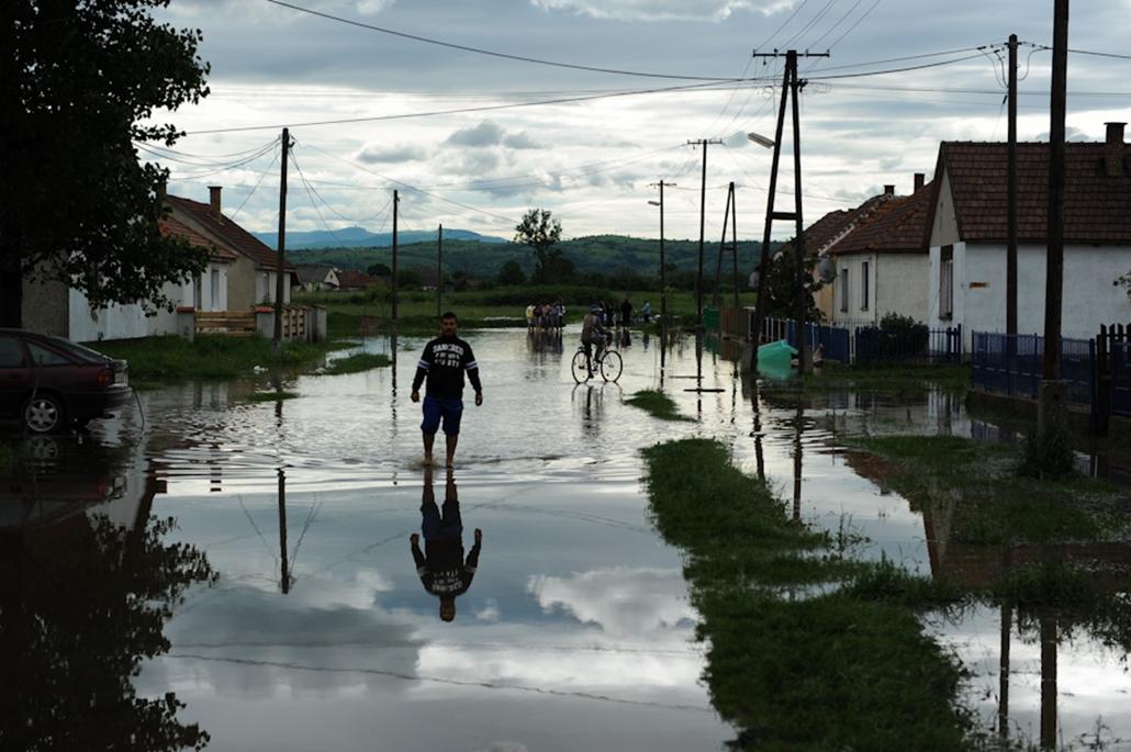 árvíz roma cigány nagyítás