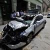Képek jöttek a VIII. kerületben összetört Opelről