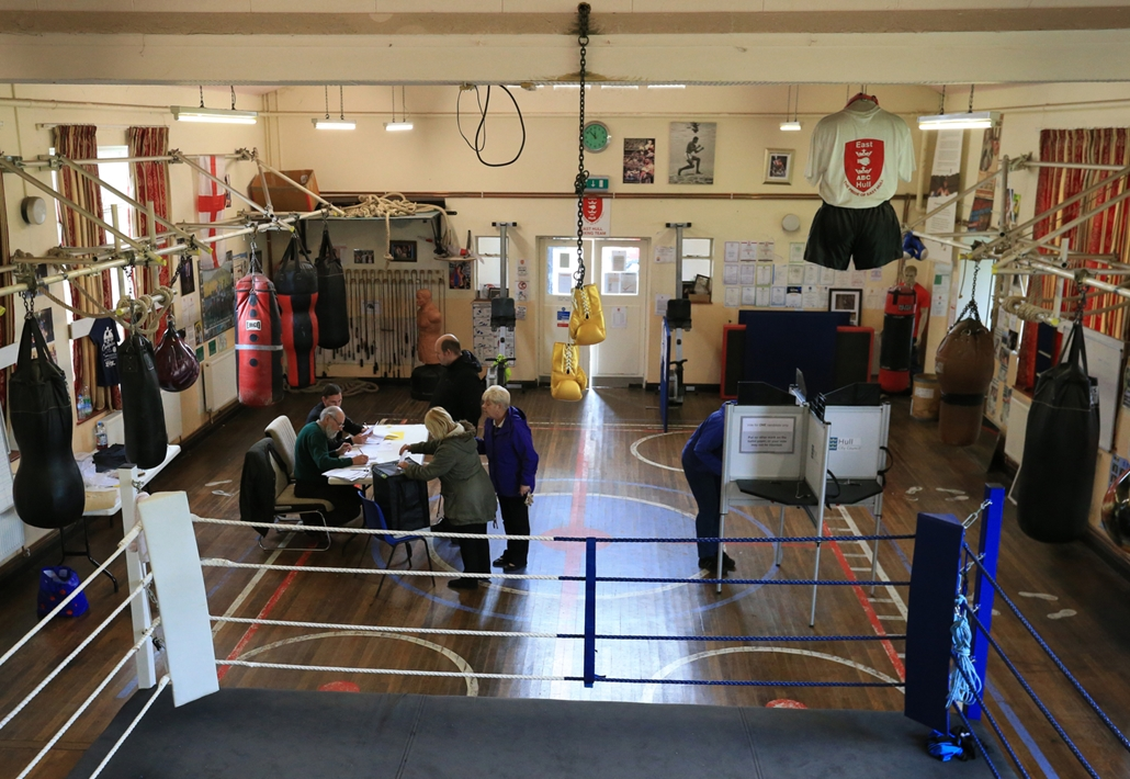 afp.17.06.09. -Az East Hull Boxing Club is helyet biztosított a szavazatok leadásának Kindston-Upon-Hullban