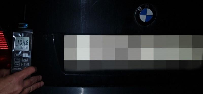 Megint városi autóversenyzőkre vadásztak a rendőrök