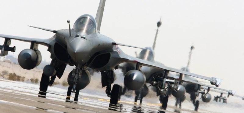 Trump nagyon beakaszthat a franciák bombaüzletének