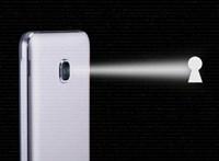 Durva hibát találtak: mások is leselkedhetnek az androidos telefonok kameráján át