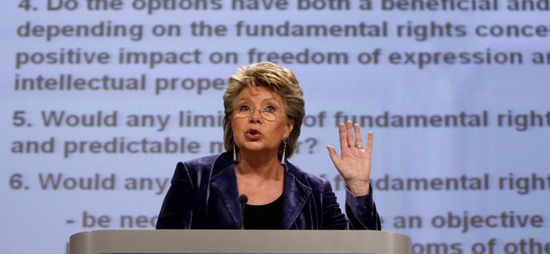 Keményen kioktatták a kormányt Brüsszelben, folytatódik az eljárás