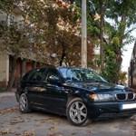 Bunkó BMW-s blokkolta a 14-es villamost – fotó