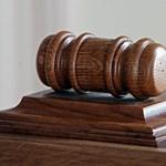 Népszabadság: már küldik a bíróknak a felmentőlevelet