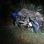 Szomorú fotók jöttek a hajnali tragikus balesetről