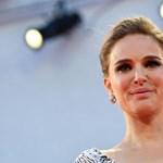 Natalie Portman megvadul és fegyverrel fenyeget egy Star Wars-rajongót