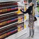 Fotók: bevásárló háziasszonyoknak mutatott be kollekciót a Chanel