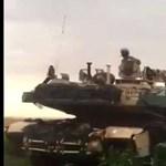 Tankok lepték meg a román parasztokat a kukoricásban