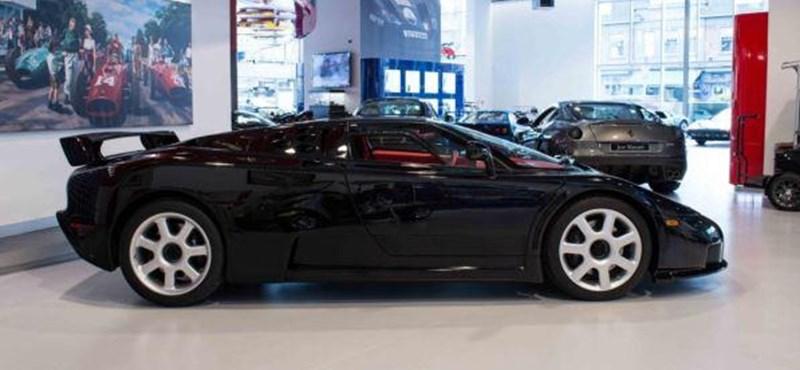Szinte fillérekbe, 320 millióba kerül ez az alig használt szuperritka Bugatti