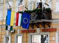 Vezető kárpátaljai magyar politikusok ellen indult plakátkampány Ukrajnában