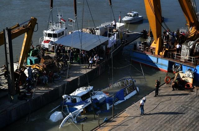 hableány kiemelése hajóbaleset