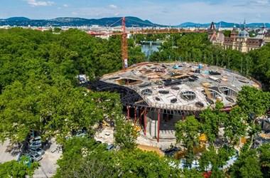Bezárt múzeumokat és félbemaradt projekteket hagy a kultúrharc csataterén a kormány