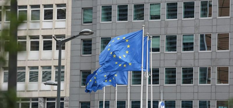 Súlyos bírálat Brüsszelből a kormánynak: Túl kevés segítséget kapnak, akik nehéz helyzetbe kerültek