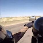 Menő vagy őrült? 6 éves kissrác repeszt egy Harley-val