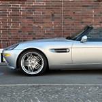 Csak egy 17 éves BMW, de akkor miért kerül 130 millió forintba?