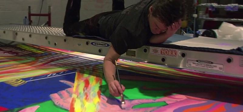 Hogy hova tűnt Jim Carrey? Festő és szobrász lett belőle – videó