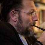 """Amikor a politika seggbe rúgja a nyelvet"" – interjú Bartis Attilával"
