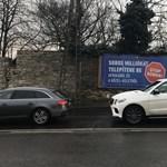 Elkaszálták a kispesti önkormányzat-féle plakátátragasztást