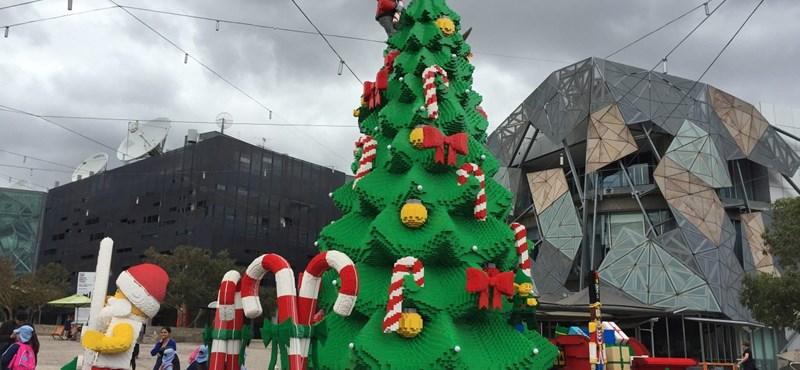 Fotó: Minden legóimádó ilyen karácsonyfáról álmodik