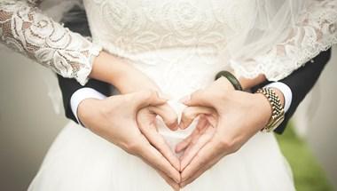Házasodási boom: pénzügyi ösztönzők csábítják azélettársakat