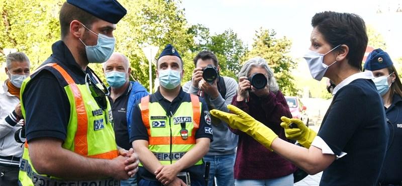 Közel 14 millió forint büntetést kaptak a dudálós tüntetések résztvevői első fokon