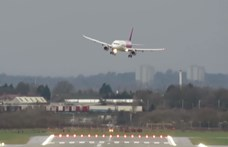 Ez történt: nehéz körülmények között szállt le egy Wizz Air-járat