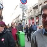 """""""Szégyellünk titeket"""": Fiatal roma értelmiségiek tüntettek az ORÖ ellen a hangfelvétel-botrány után"""