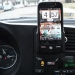 Veszélyes kihangosítóval mobilozni vezetés közben