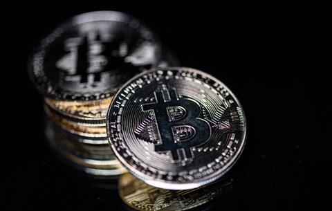 bitcoin néző)