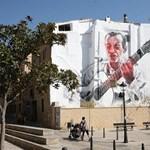Street art percek: El Mac gitáros óriásportréja a spanyolországi Tudelában
