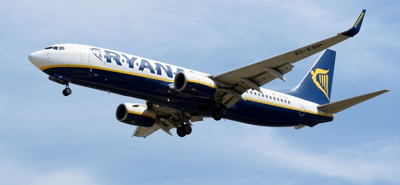 Kifizetetlen tartozás miatt lefoglalták a Ryanair egyik gépét Franciaországban
