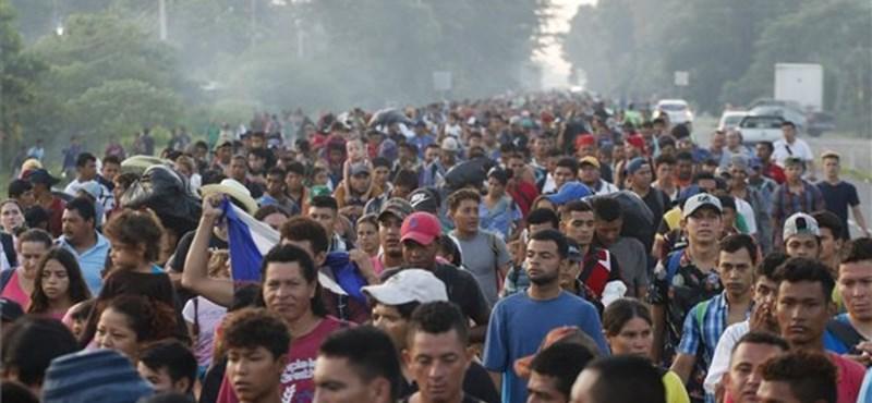 Közép-amerikai menekültek: több ezren Mexikót választották az USA helyett