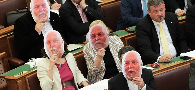 Két minisztere is többet keresett tavaly, mint Orbán - íme a kormánytagok adóbevallásai