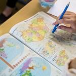 """""""Áldozatul esett egy szűklátókörű oktatáspolitikának"""" - nekrológ született a """"régi"""" történelem atlaszról"""