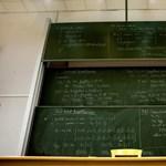 """""""Tandíj nincs is"""" - a tervezetek szerint lesz vágás, a kormány szerint nem"""