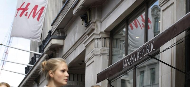Botrány a H&M-nél: bagóért kínálták a ruhákat a neten, majd törölték az összes rendelést