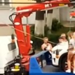 Így szerzi vissza a kocsiját egy rúdtáncos bombanő