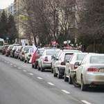 A vasárnapi zárva tartás dobhatja meg igazán az útdíjat elkerülő utak forgalmát