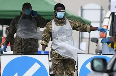 Angliában már több helyen is az indiai koronavírus-változat okozza megbetegedések javát
